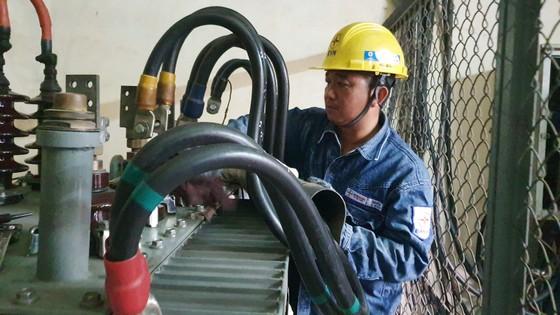TPHCM: Khách hàng không phải mất phí khi đăng ký cấp điện qua trạm biến áp ảnh 2