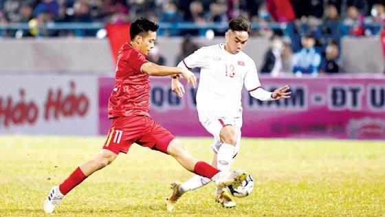 Hai đội tuyển bóng đá nam có lịch thi đấu  dày đặc trong  năm 2021. Ảnh: P.NGUYỄN