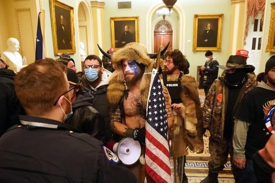 Quốc hội Mỹ xác nhận ông Biden chính thức trở thành tổng thống thứ 46 của nước Mỹ ảnh 2
