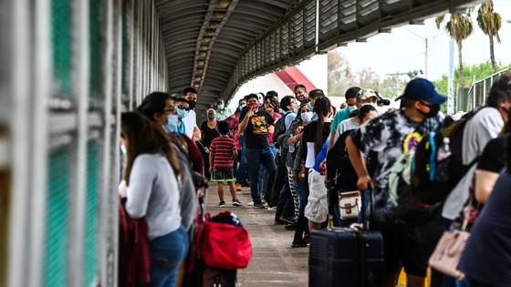 Hạ viện Mỹ thông qua 2 dự luật hợp pháp hóa người nhập cư bất hợp pháp ảnh 2