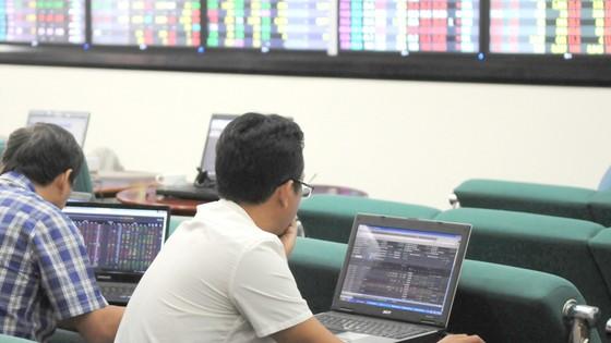 Thị trường chứng khoán: Hút vốn ngoại từ quỹ mới ảnh 1