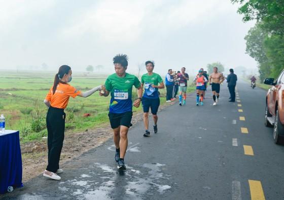 Cộng đồng runner ấn tượng với BaDen Mountain Marathon 2021 lần đầu tổ chức tại Tây Ninh ảnh 4