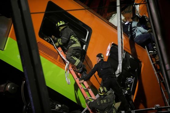Sập đường sắt trên cao tại Mexico, ít nhất 23 người thiệt mạng ảnh 2