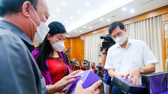 T&T Group trao tặng 1 triệu bộ kit xét nghiệm Covid-19 trị giá 162 tỷ đồng hỗ trợ TP Hà Nội chống dịch ảnh 1