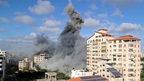 Israel đánh sập 15 km đường hầm Hamas, hạ sát chỉ huy dân quân Palestine - 1