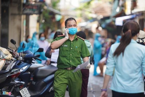Phong toa duong Nguyen Dinh Chieu anh 8