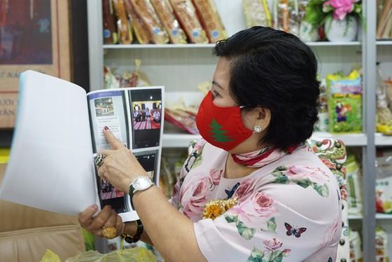 Bà Phương Hằng bị Chủ tịch Công ty thực phẩm Bình Tây kiện đòi bồi thường 1.000 tỷ đồng vì livestream ảnh 1
