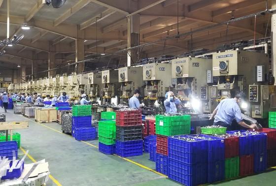 Nhà máy ở Sài Gòn lên phương án sản xuất khi bị phong toả ảnh 2