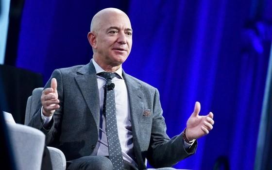 Tiết lộ thuế thu nhập của những tỷ phú giàu nhất thế giới ảnh 2