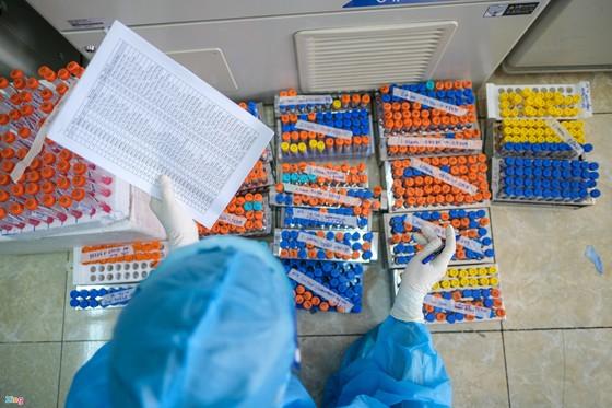 'Tất cả kịch bản tăng trưởng sẽ thất bại nếu không nhập được vaccine' ảnh 3