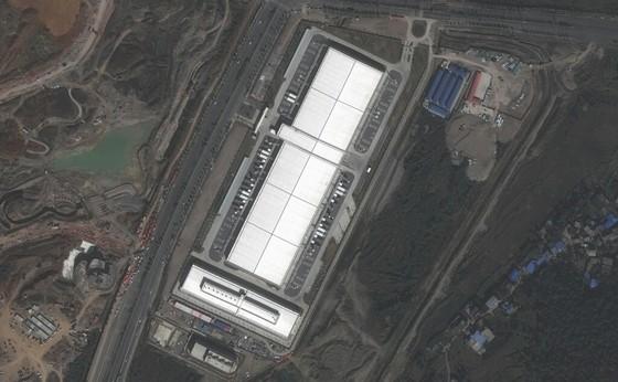 Chính phủ Trung Quốc từng 'dời' một ngọn núi để phục vụ Apple ảnh 1