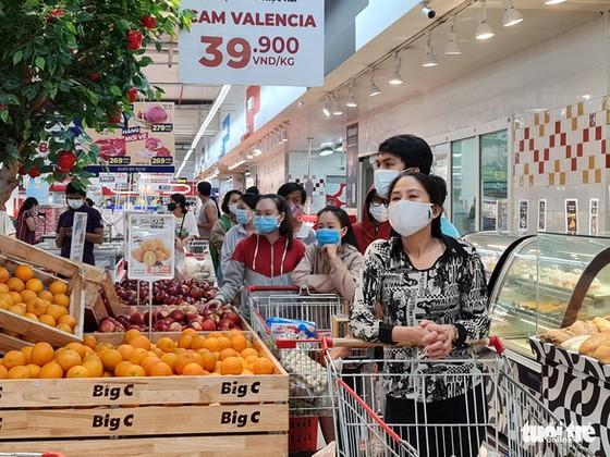Đi siêu thị BigC Trường Chinh mua đồ 15 phút, đợi tính tiền gần 2 tiếng, vừa mệt vừa run ảnh 2
