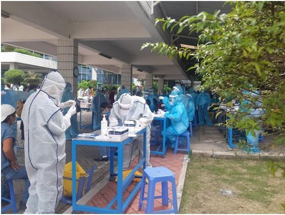TPHCM ghi nhận 667 người nhiễm Covid-19 chỉ trong 1 ngày ảnh 2