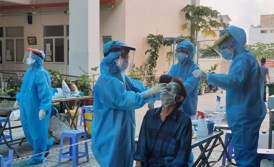 TPHCM ghi nhận 667 người nhiễm Covid-19 chỉ trong 1 ngày ảnh 3