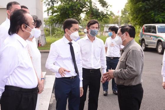 Thủ tướng làm việc với công ty kiến nghị cấp phép khẩn vaccine Covid-19 Nano Covax ảnh 1