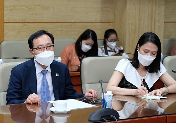 SK và Samsung muốn đầu tư thiết bị y tế, sản xuất huyết tương, vaccine Covid-19 tại Việt Nam ảnh 2