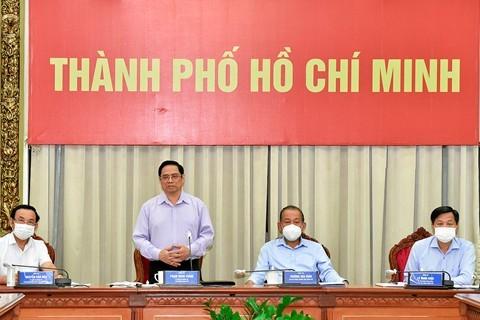Thủ tướng: Chúng ta đang đi đúng hướng, cần tiếp tục phấn đấu, nỗ lực thực hiện cho được mục tiêu kép ảnh 4