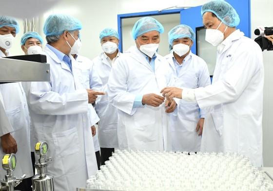 Chủ tịch nước yêu cầu sớm cấp phép vaccine Covid-19 Nanocovax, không để 'dân cần mà  cứ chậm' ảnh 2