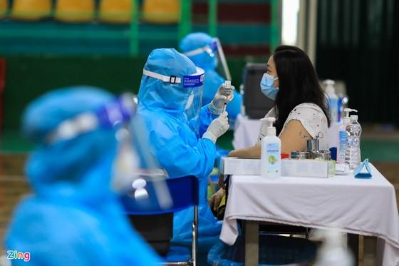 Phó Thủ tướng Vũ Đức Đam kêu gọi Bộ Y tế, các tỉnh dành vaccine Covid-19 cho TPHCM ảnh 2