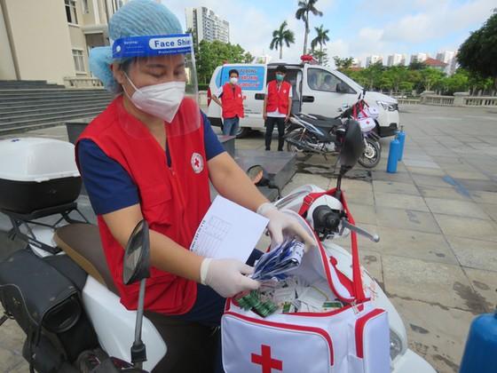 TP Thủ Đức đưa các đội tiêm vaccine lưu động đến từng khu phố ảnh 1