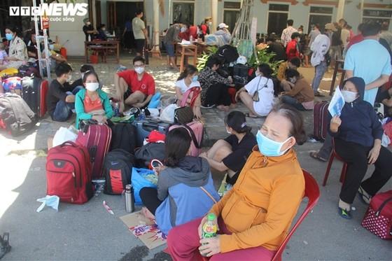 Để người ngoại tỉnh yên tâm ở lại TPHCM: Vaccine, lương thực, việc làm, chỗ ở ảnh 1