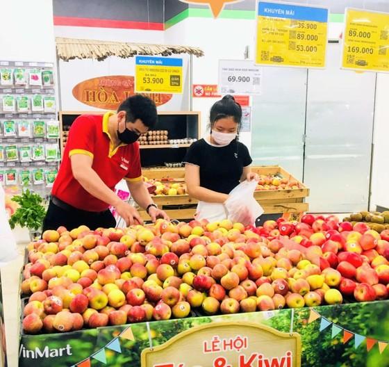 23 siêu thị VinMart và Vinmart+ ở Hà Nội tạm đóng cửa vì liên quan F0 từ nhà cung cấp Thanh Nga ảnh 1