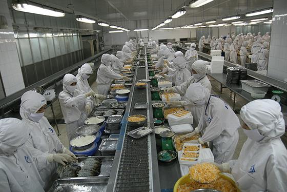 Sản xuất công nghiệp chật vật vì Covid-19 ảnh 2