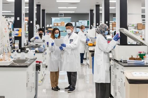 Vingroup nhận chuyển giao độc quyền công nghệ vaccine mRNA từ Mỹ, sẽ có vaccine Covid-19 đầu năm 2022 ảnh 1