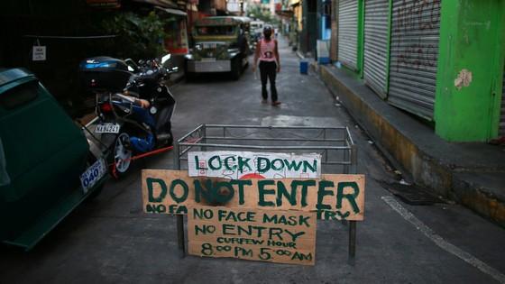 Tổng thống Philippines tuyên bố bắn hạ người vi phạm lệnh phong tỏa vì Covid-19