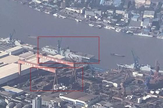 Tàu tấn công đổ bộ trực thăng Type 075 đầu tiên của Trung Quốc bị cháy - ảnh 3