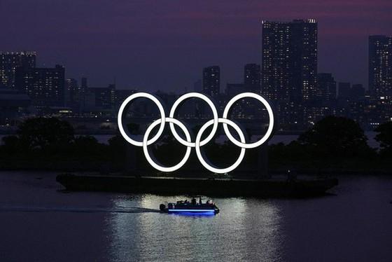 Nhật Bản mất hàng tỉ USD vì hoãn Olympic 2020 - Ảnh 1.