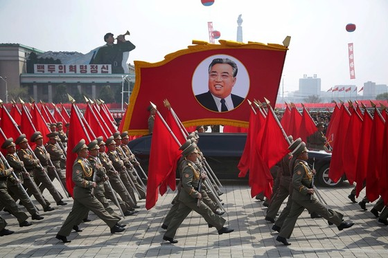 Triều Tiên sẽ xây dựng lực lượng mạnh hơn đối phó Mỹ - ảnh 1