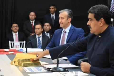 Vi sao toa an Anh quyet khong tra vang cho Venezuela?