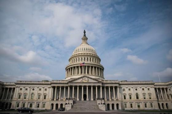 Hạ viện Mỹ thông qua dự luật đón người Hong Kong đến Mỹ - 1