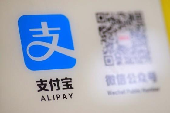 Ông Trump trừng phạt 8 ứng dụng thanh toán của Trung Quốc - ảnh 1