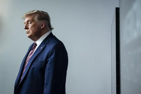 Chủ tịch Hạ viện Mỹ Pelosi kêu gọi phế truất Trump - 1
