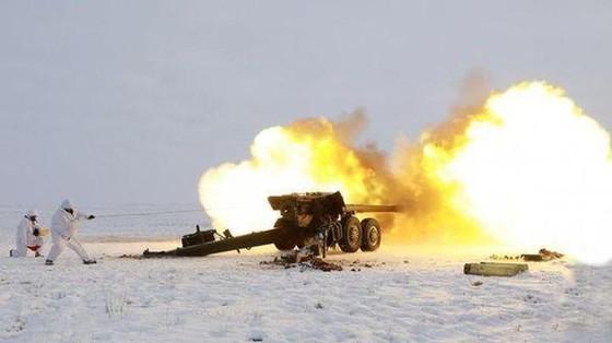 Ukraine bất ngờ tấn công dữ dội lực lượng dân quân miền Đông ảnh 9