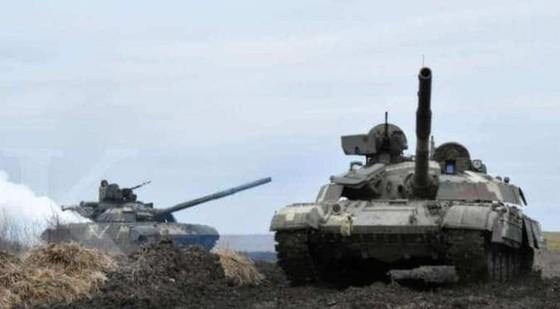 Ukraine bất ngờ tấn công dữ dội lực lượng dân quân miền Đông ảnh 19