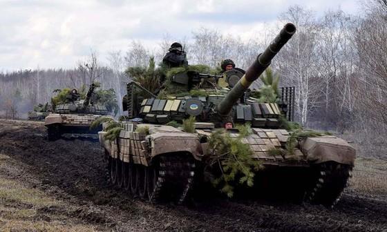 Ukraine bất ngờ tấn công dữ dội lực lượng dân quân miền Đông ảnh 21