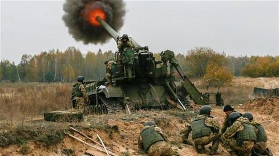 Ukraine bất ngờ tấn công dữ dội lực lượng dân quân miền Đông ảnh 20
