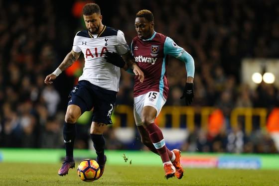 West Ham (phải) liệu có ngáng đường thành công một Tottenham đang bừng bừng khí thế?