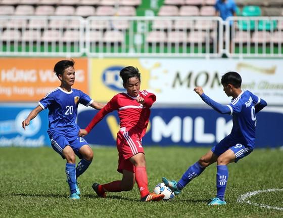 """Giải U.15 năm nay trở nên """"nóng"""" hơn từ sự việc liên quan đến hai đội Thanh Hóa và Hà Nội"""