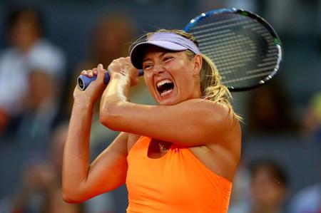 Maria Sharapova trong trận thua Eugenie Bouchard.