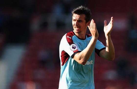 Mối quan hệ giữa Joey Barton và Burnley cuối cùng cũng đến hồi kết.