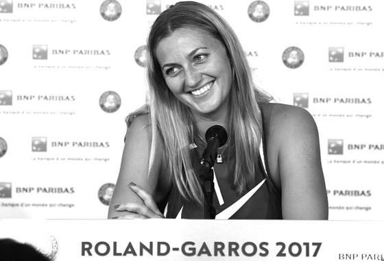 Petra Kvitova ra mắt đầy tươi tắn trong buổi họp báo trước thềm French Open 2017.