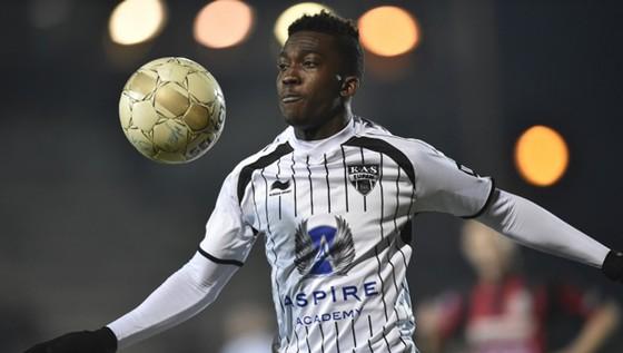 Onyekuru đang được Swansea để mắt đến.