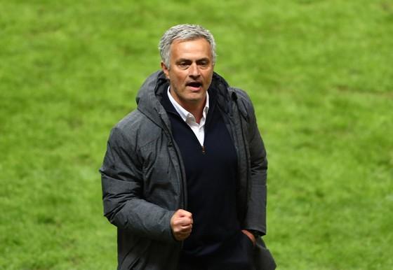 Jose Mourinho luôn sẵn sàng sắm vai kẻ chinh phục.
