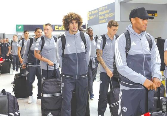 Đội hình của Man.United bay đến Mỹ để bắt đầu chuẩn bị mùa giải mới.