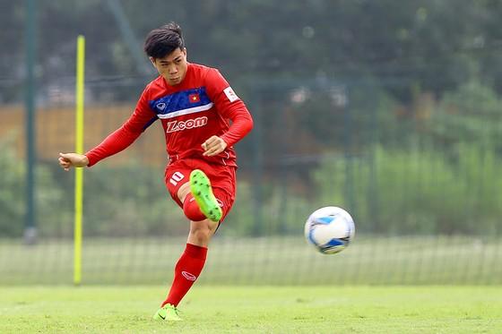 Công Phượng dưới thời HLV Hữu Thắng chưa bao giờ ghi được bàn thắng ở các trận đấu chính thức. Ảnh: Minh Hoàng