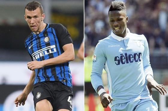 Mất Ivan Perisic (trái) nhưng Inter đã giành được Keita Balde Diao từ Lazio.